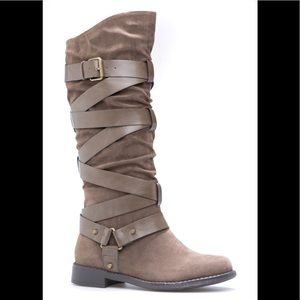 NIB Shoe Dazzle Taupe Faux Suede Wrapped Boots